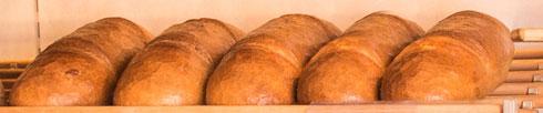 Brot und Brötchen , täglich frisch